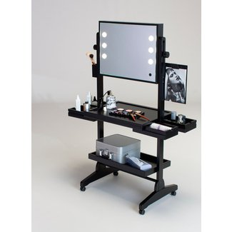 25+ Best Ideas about Vanity Table With Lights on Pinterest