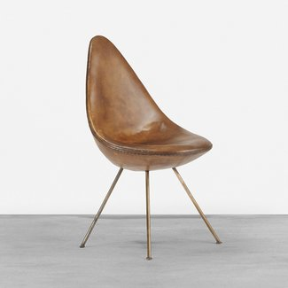 304: Arne Jacobsen / Drop chair from the SAS Royal
