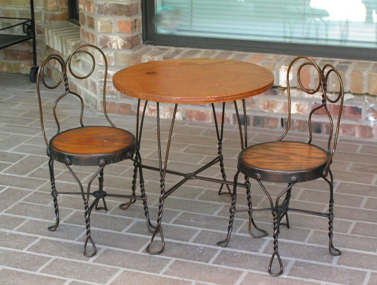Ordinaire Antique Bistro Table And Chairs   Antique Ice Cream Parlor
