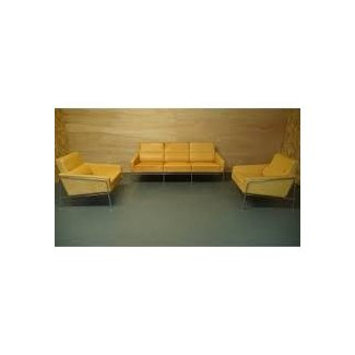 Arne Jacobsen 3300 Lounge Chair or Armchair in Tan/Natural ...