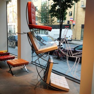 barcelona-chair-knoll-showroom-window - Film and Furniture