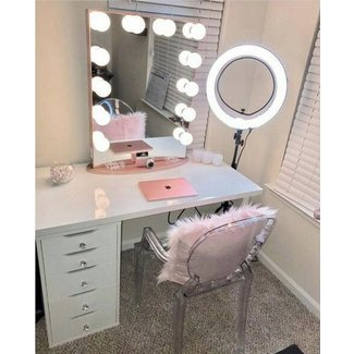 Beauty Of Makeup Vanity Table With Lights