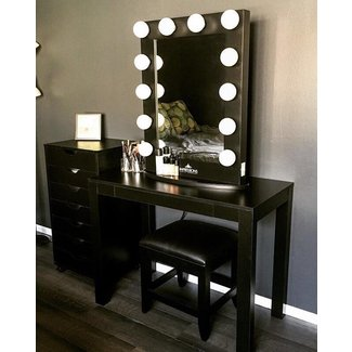 Makeup vanity table with lights visual hunt beauty of makeup vanity table with lights aloadofball Image collections