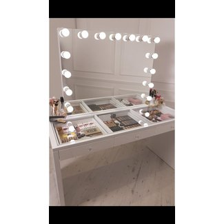 Best 25+ Makeup vanity mirror ideas on Pinterest | Mirror