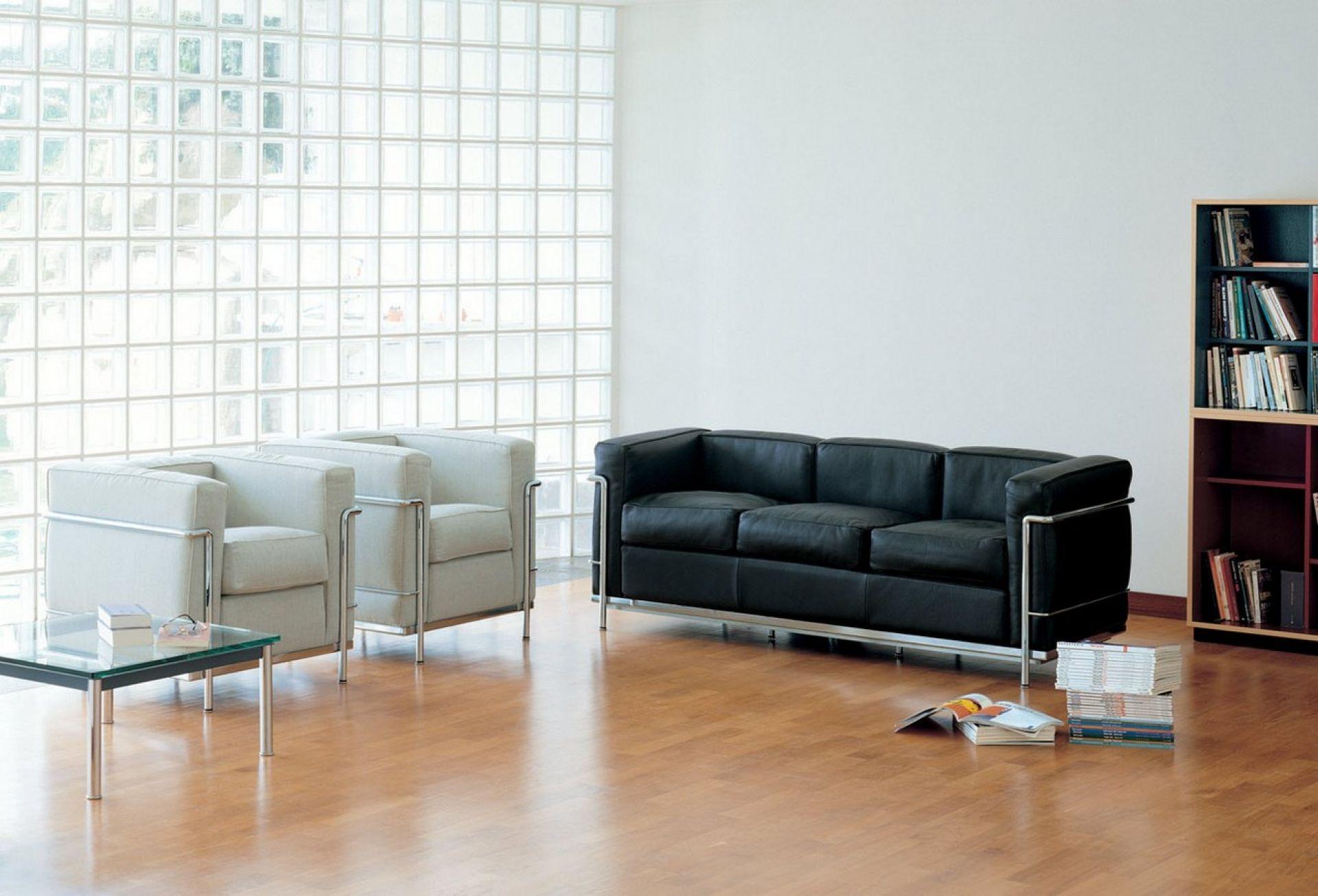 cassina-lc2-sofa-von-le-corbusier-pierre-jeanneret