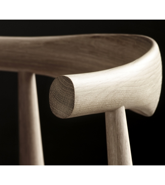 CH20 Elbow Chair Carl Hansen U0026 Søn   Milia Shop