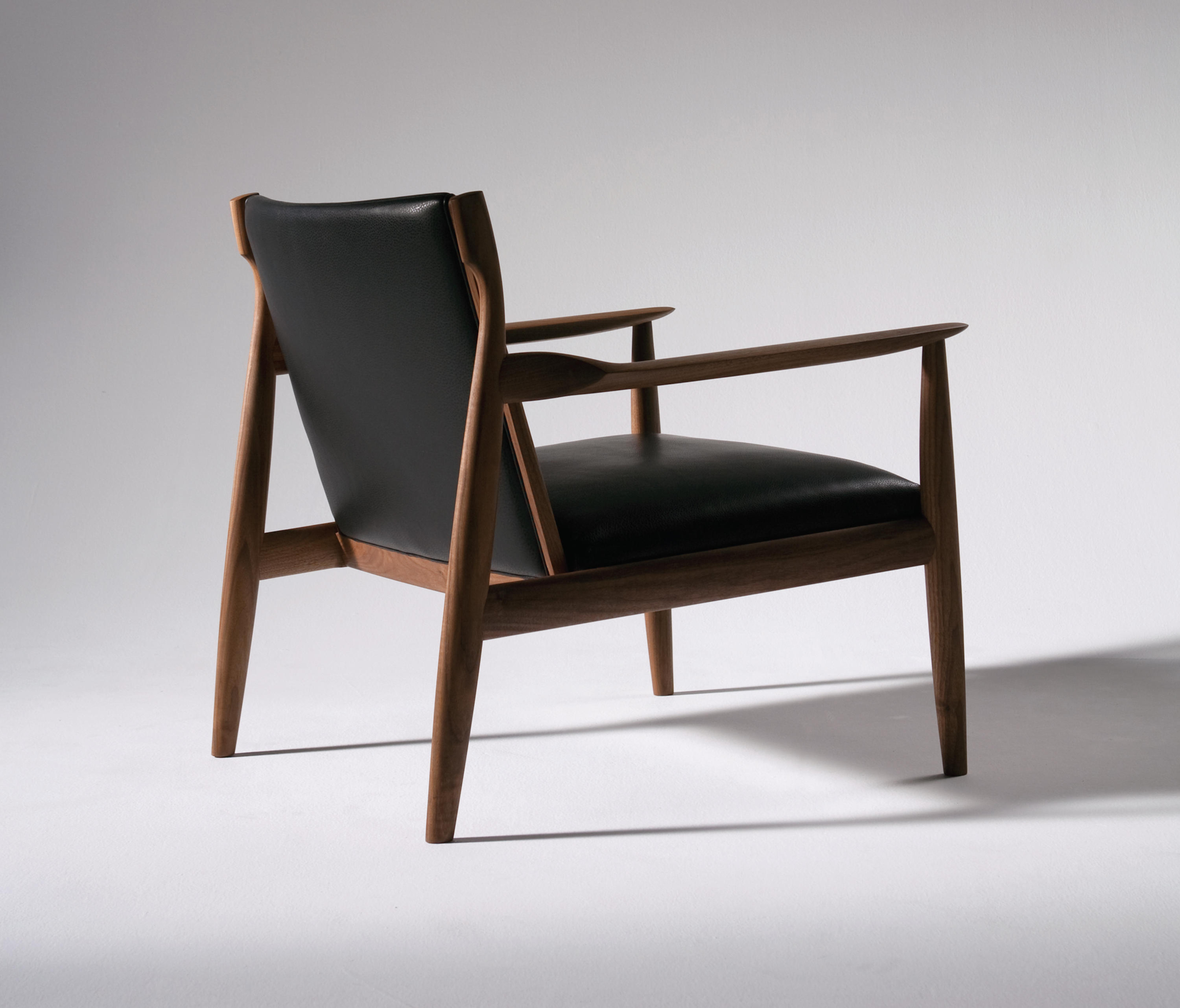 claude-easy-chair-lounge-chairs-from-ritzwell-architonic