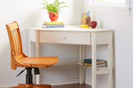 Small Desks For Bedrooms
