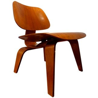 Eames Lounge Chair Wood (LCW). Herman Miller, 1952. at 1stdibs