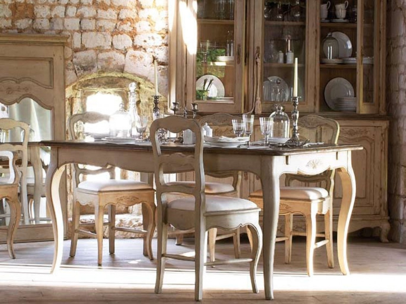 Charming French Country Dining Sets |