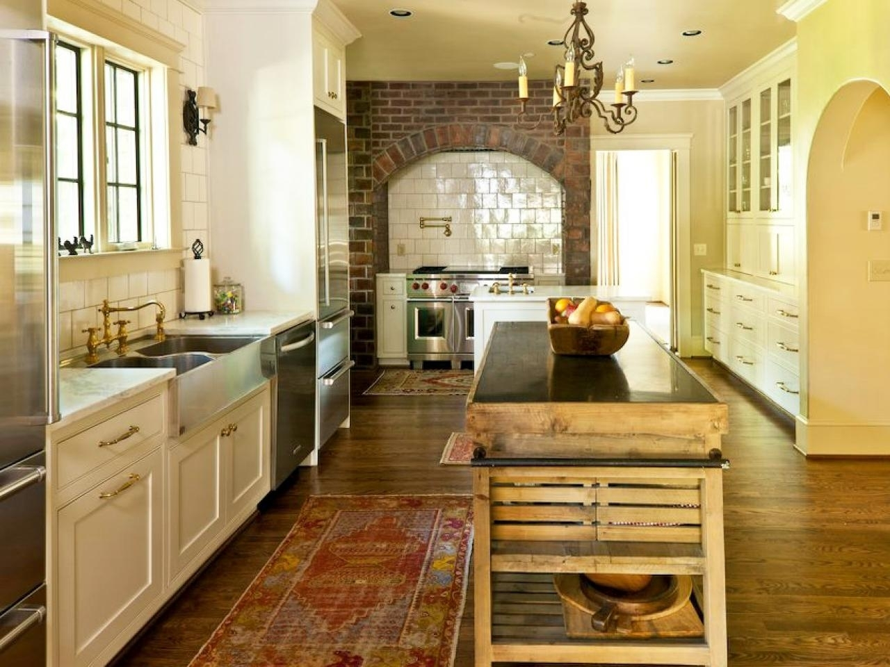 French Country Kitchen Cabinets: Pictures, Options, Tips .