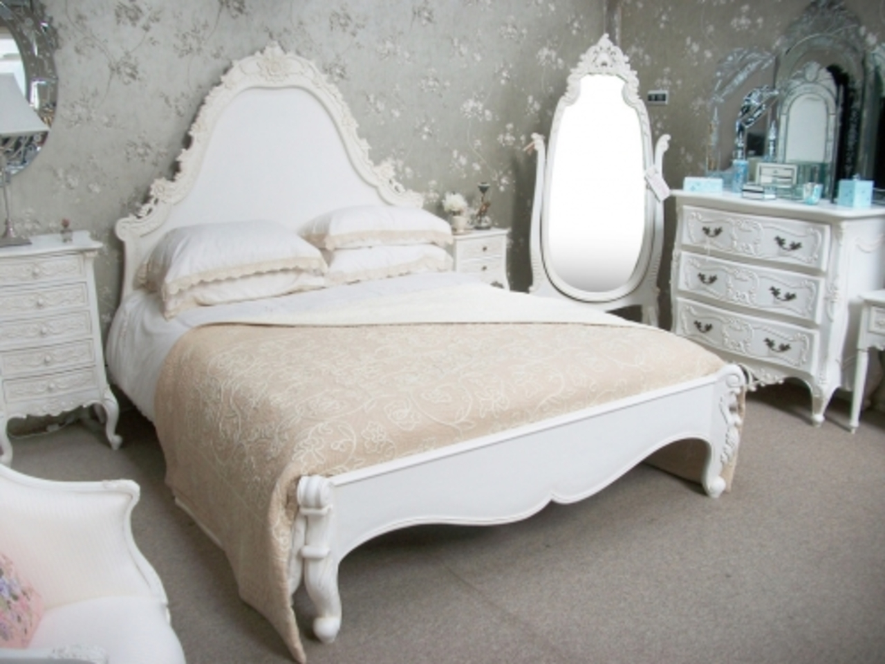 Awesome French Provincial Bedroom Set Decoration