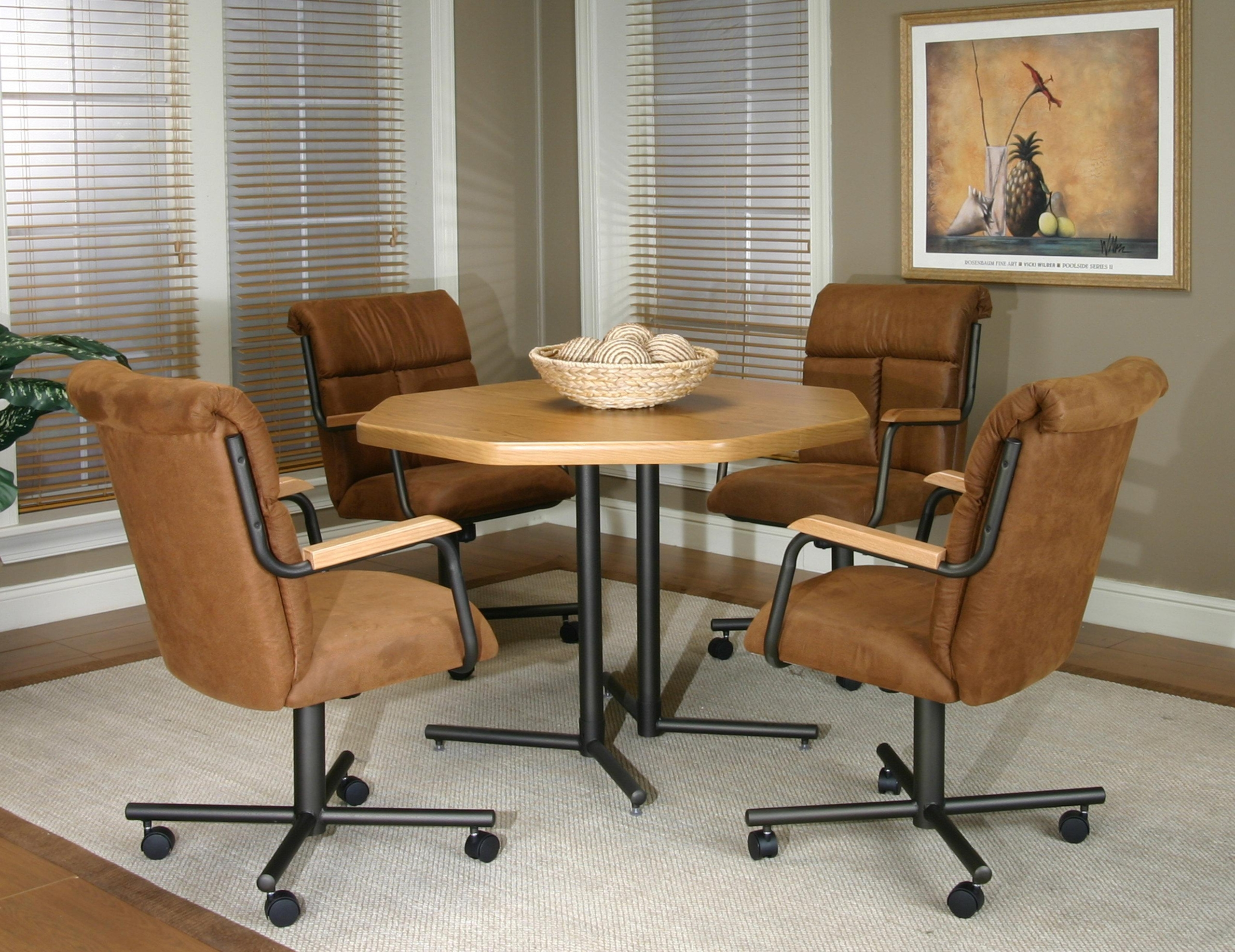 Etonnant Furniture. The Dinette Set With Caster Chairs For A Cozy