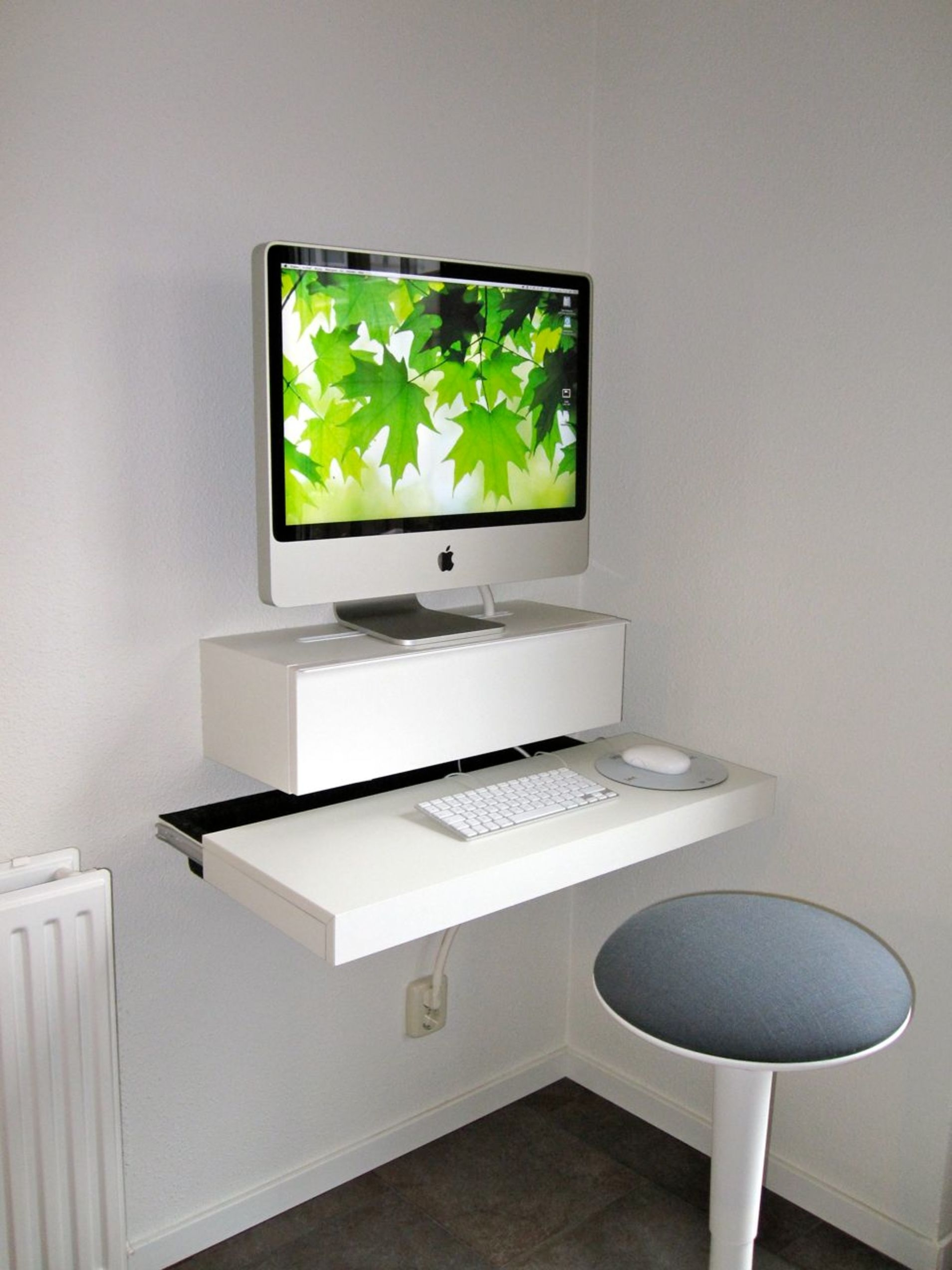 Great Computer Desk Ideas For Small Spaces You Must See