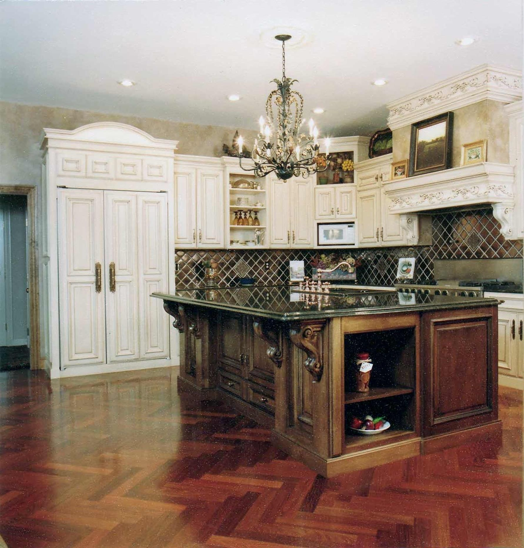 Kitchen Cabinet: French Country Kitchen Cherry Cabinets .