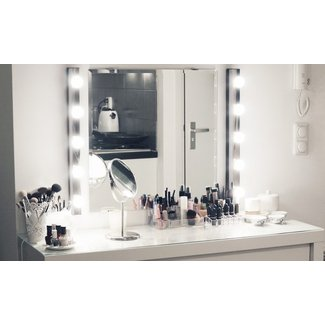MY NEW MAKE-UP VANITY - Lily Like
