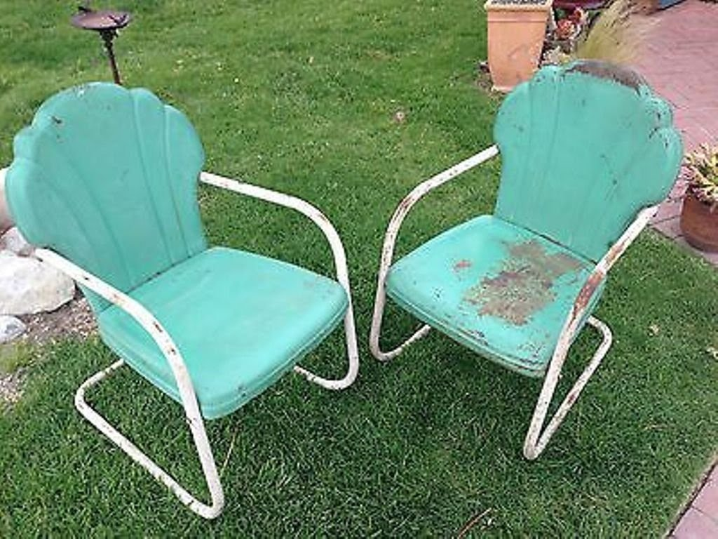 Old Retro Metal Lawn Chairs With Armrest : Retro Metal