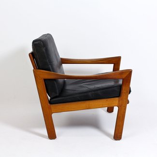 Pair of 1960s easy chairs by Illum Wikkelso for Niels