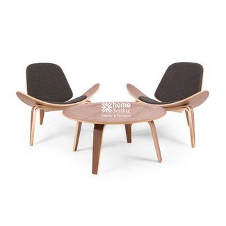 Replica Hans Wegner Shell Chair - Walnut - Black Tweed