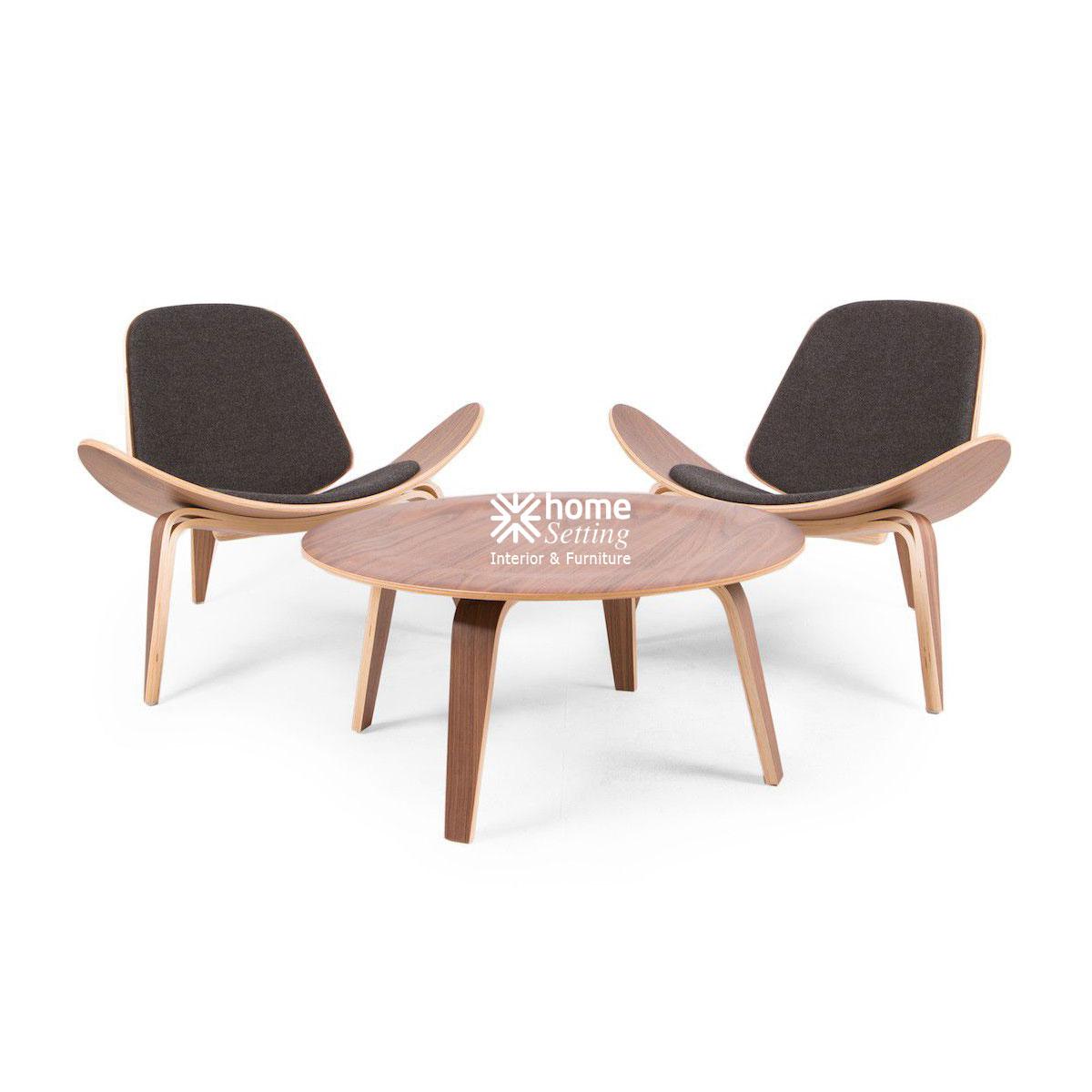 Replica Hans Wegner Shell Chair   Walnut   Black Tweed