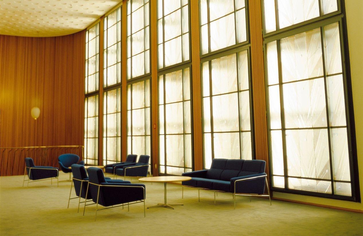 series-3300-armchair-design-within-reach-1