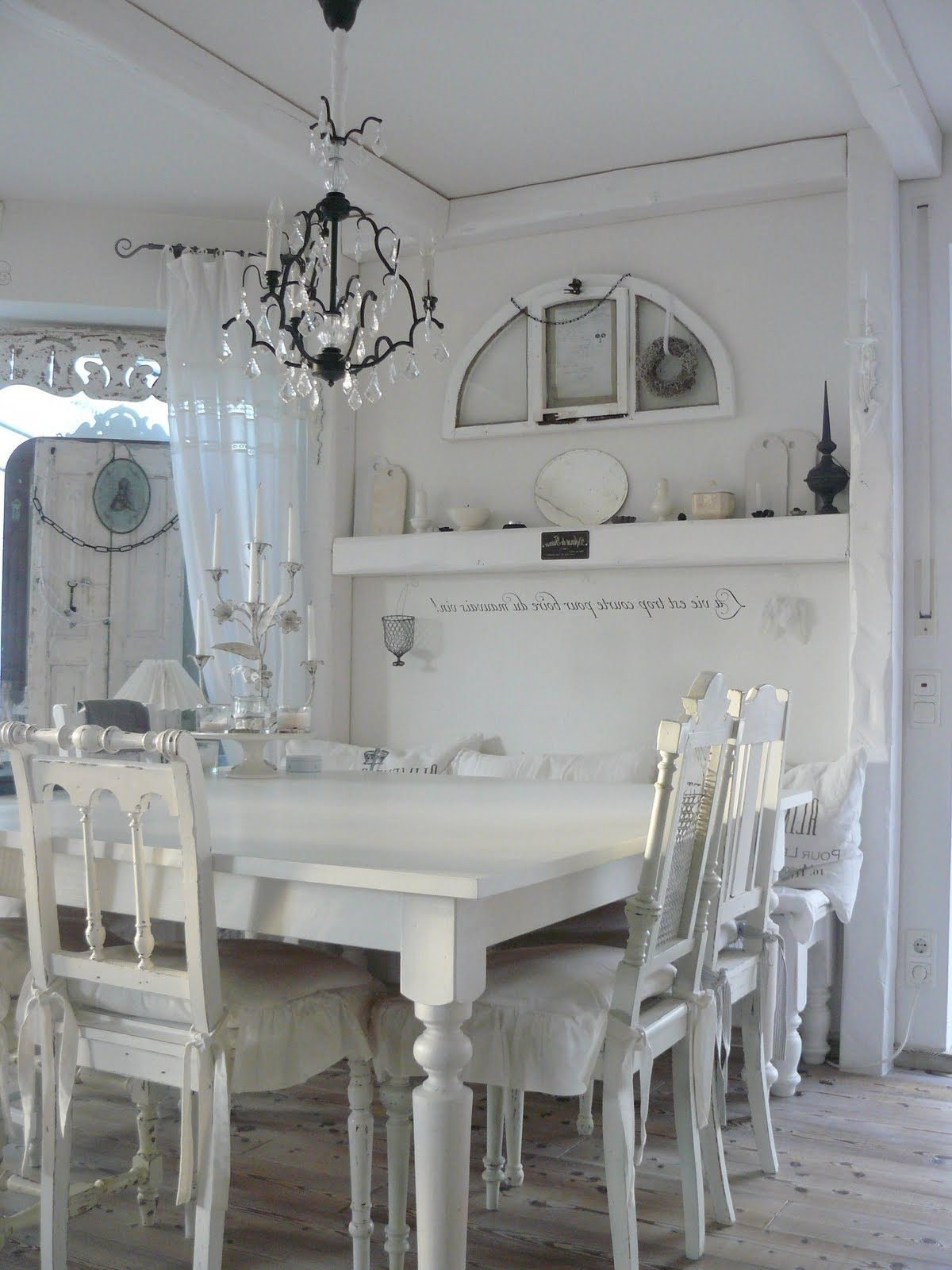 Shabby Chic Dining Table And Chairs Awesome White Dark .