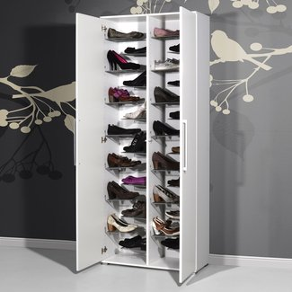 Shoe cabinet - the practical furniture piece for a tidy