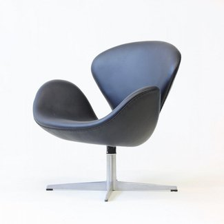 Swan Chair by Arne Jacobsen for Fritz Hansen, 1965 for