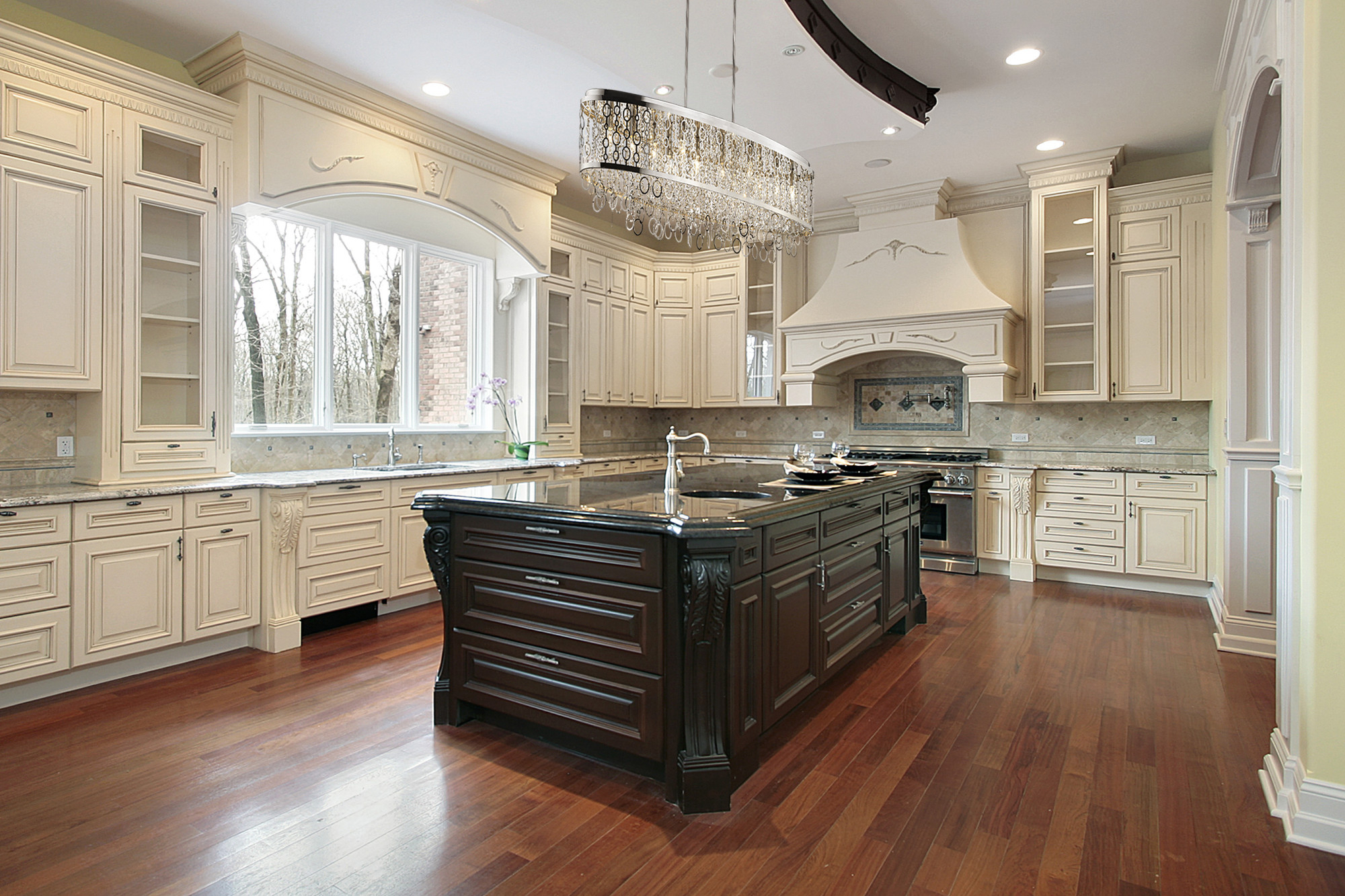 Antique White Kitchen Cabinets You'll Love in 9   VisualHunt