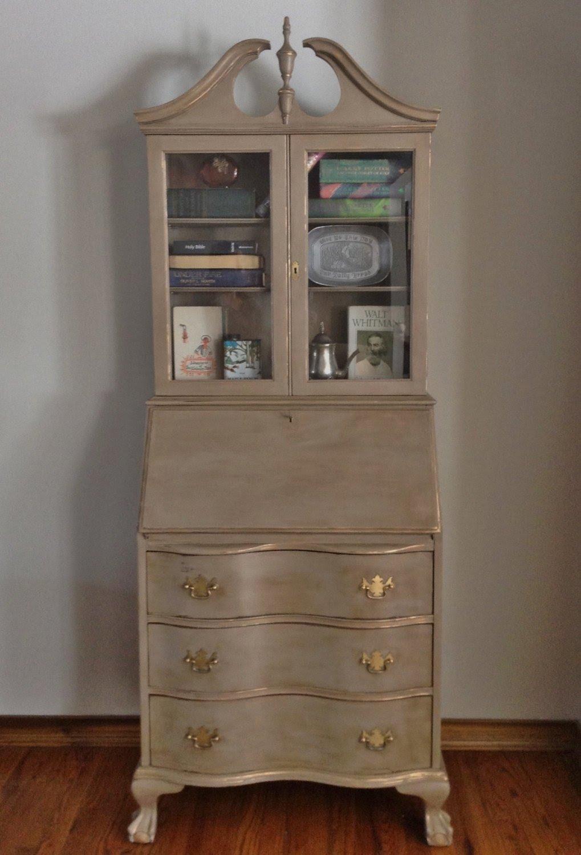 Exceptionnel Vintage/Antique Mahogany Secretary Desk/Hutch Refinished .