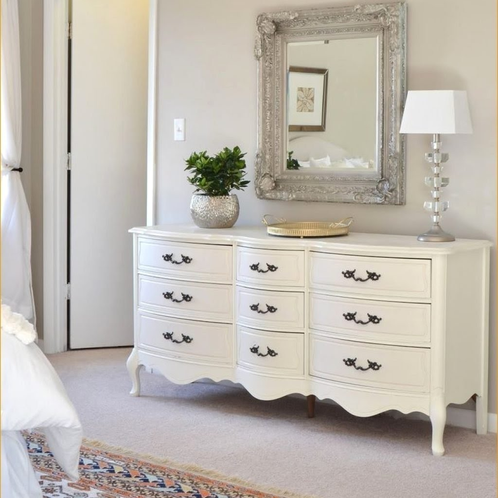 Great French Provincial Bedroom Set Property
