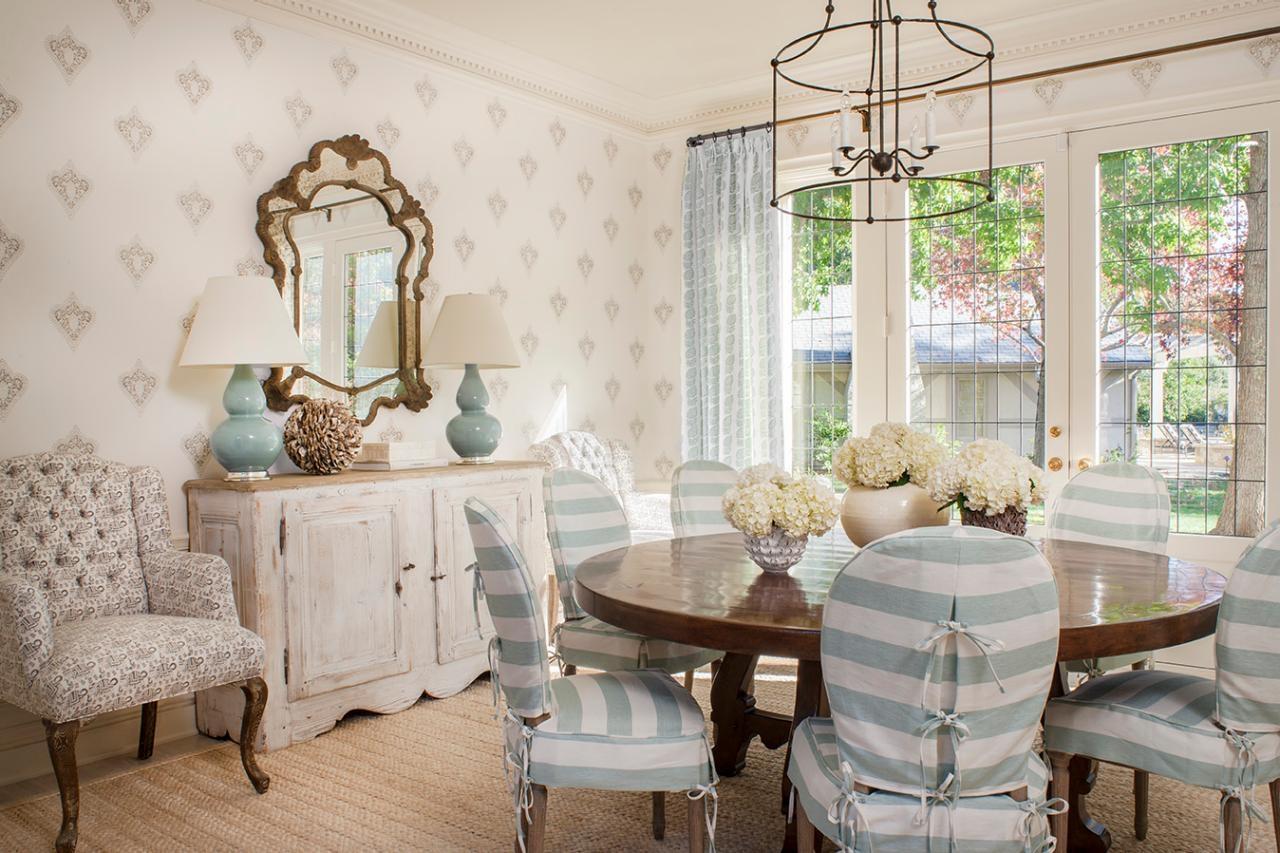 Elegant Beach Style Dining Room