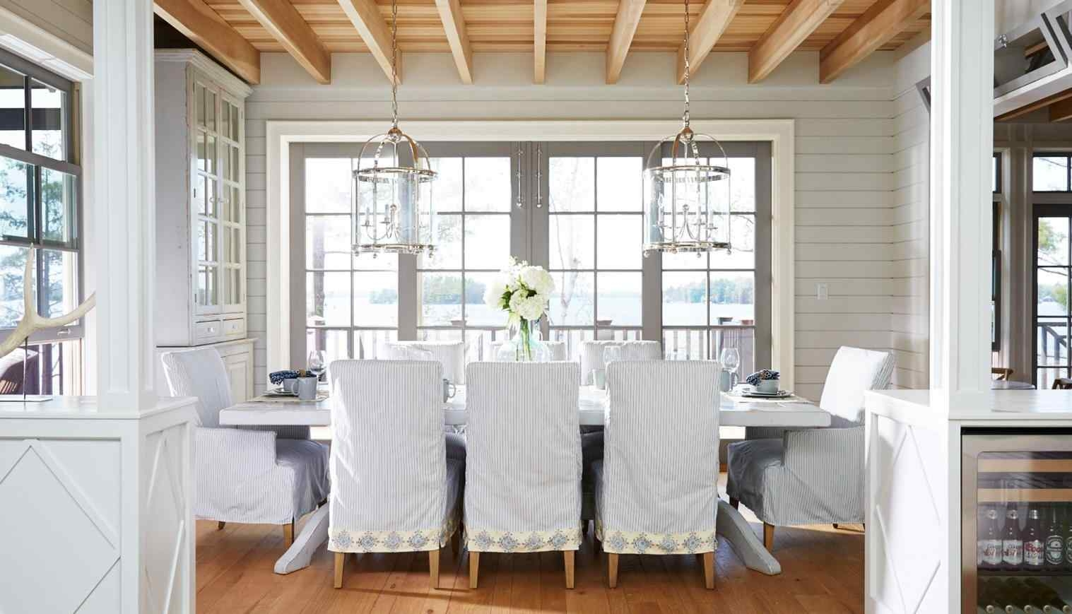 Coastal-inspired dining room