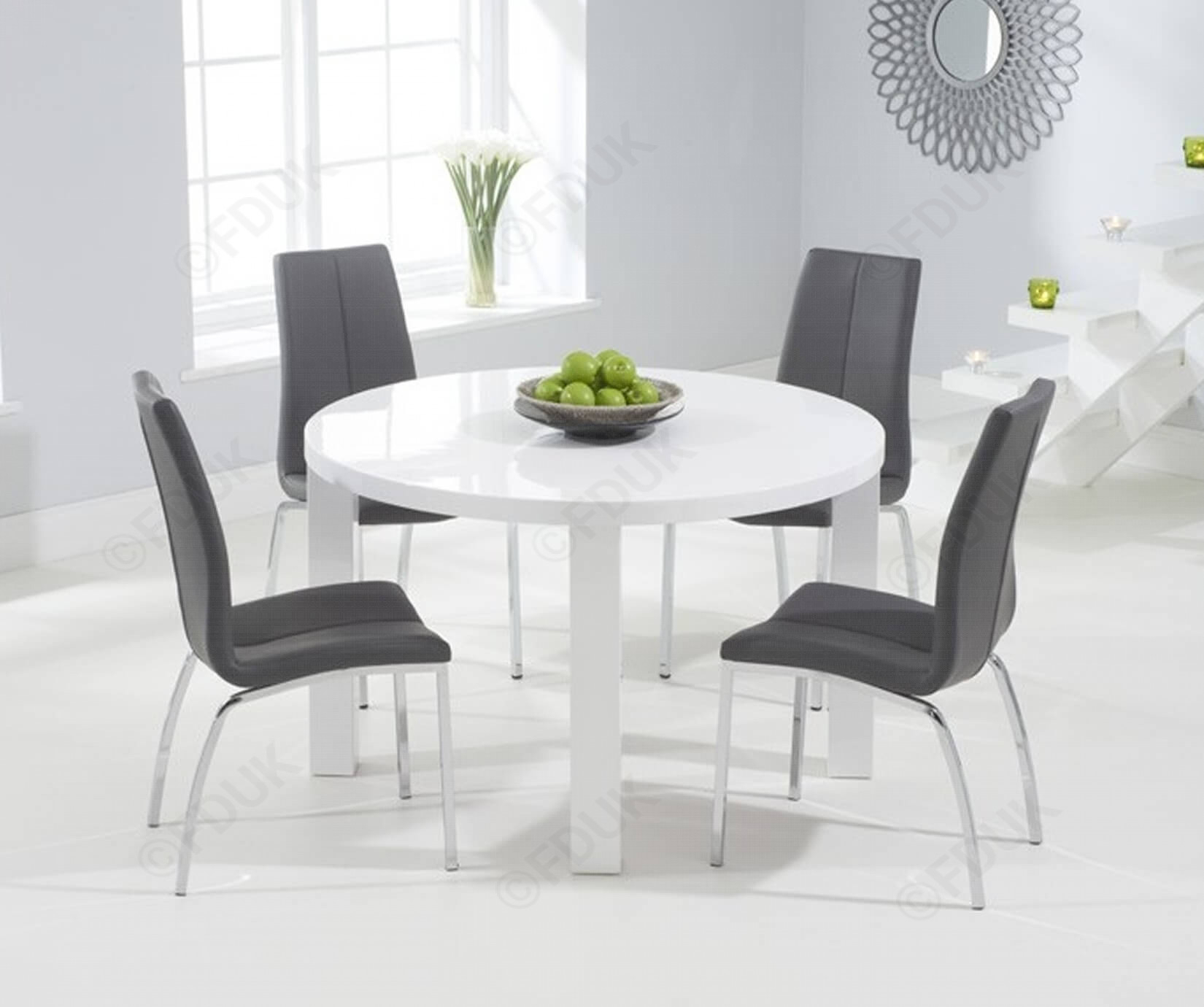 Round White Table You Ll Love In 2021 Visualhunt