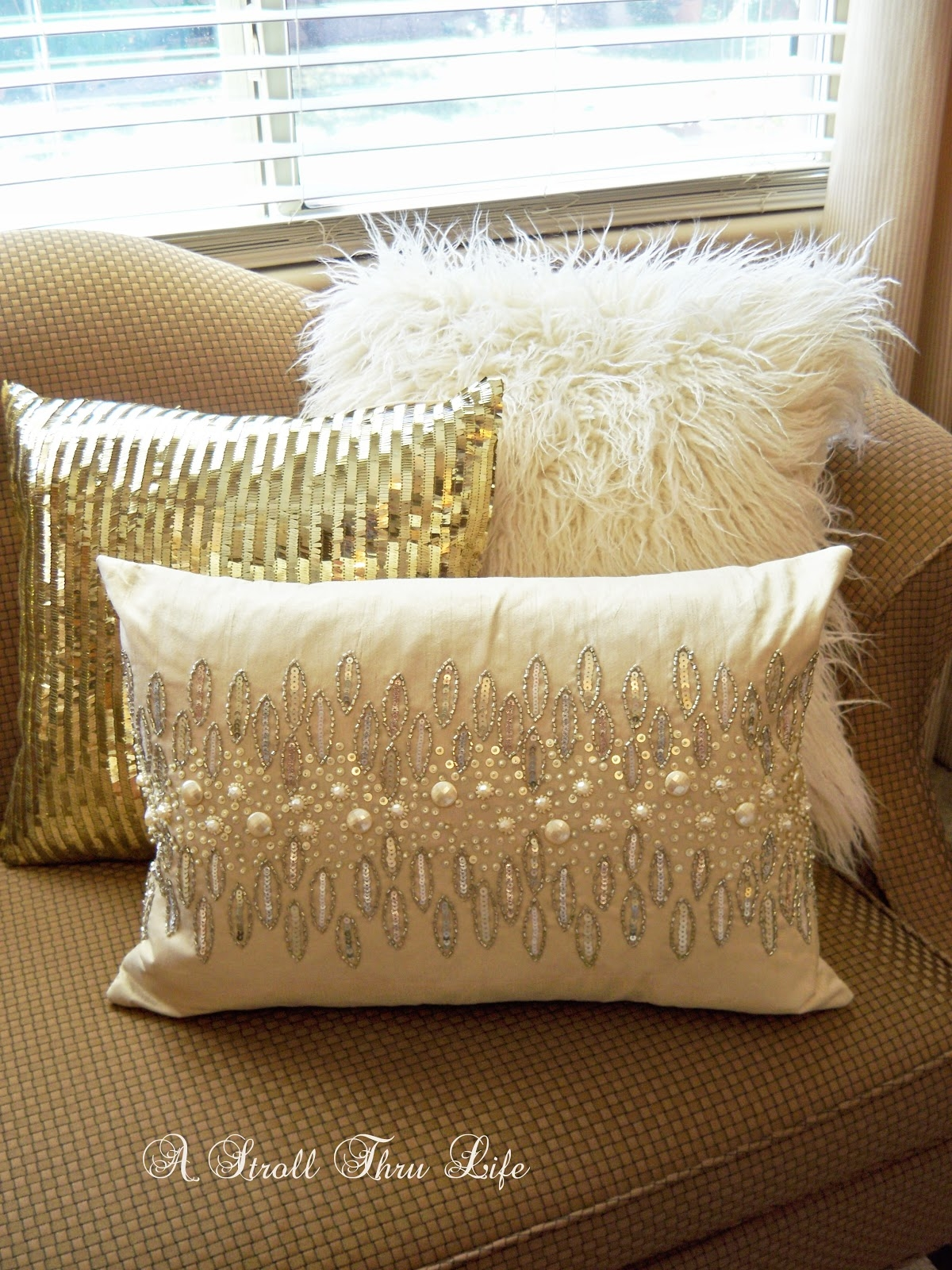 Gold Throw Pillows You Ll Love In 2021 Visualhunt