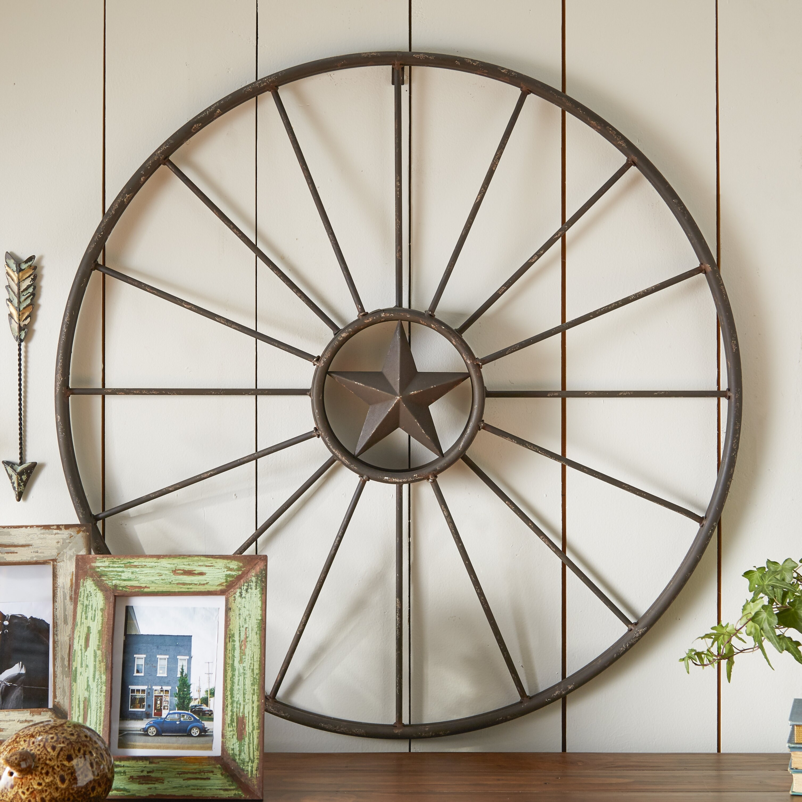 Wagon Wheel Wall Decoration