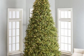4 Expert Tips To Choose An Artificial Christmas Tree