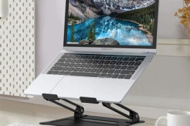 9 Must-Have Features Of A Laptop Stand For Bed