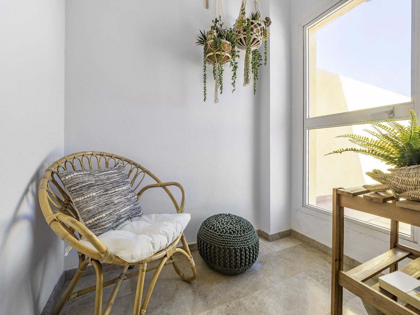 Rattan Chair With Cushion