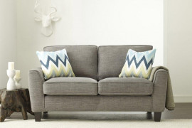 4 Tips For Choosing a Loveseat That Will Last You Forever