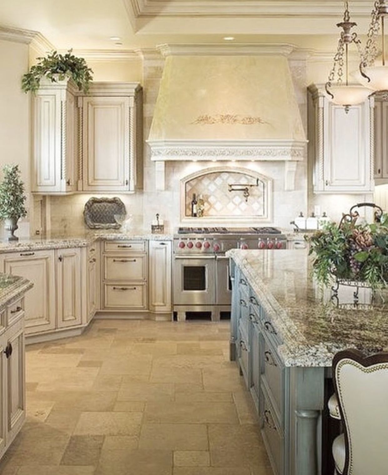 French Country Kitchen Decor You Ll Love In 2021 Visualhunt